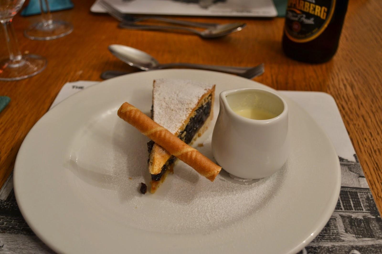 Mince Pie and Cream