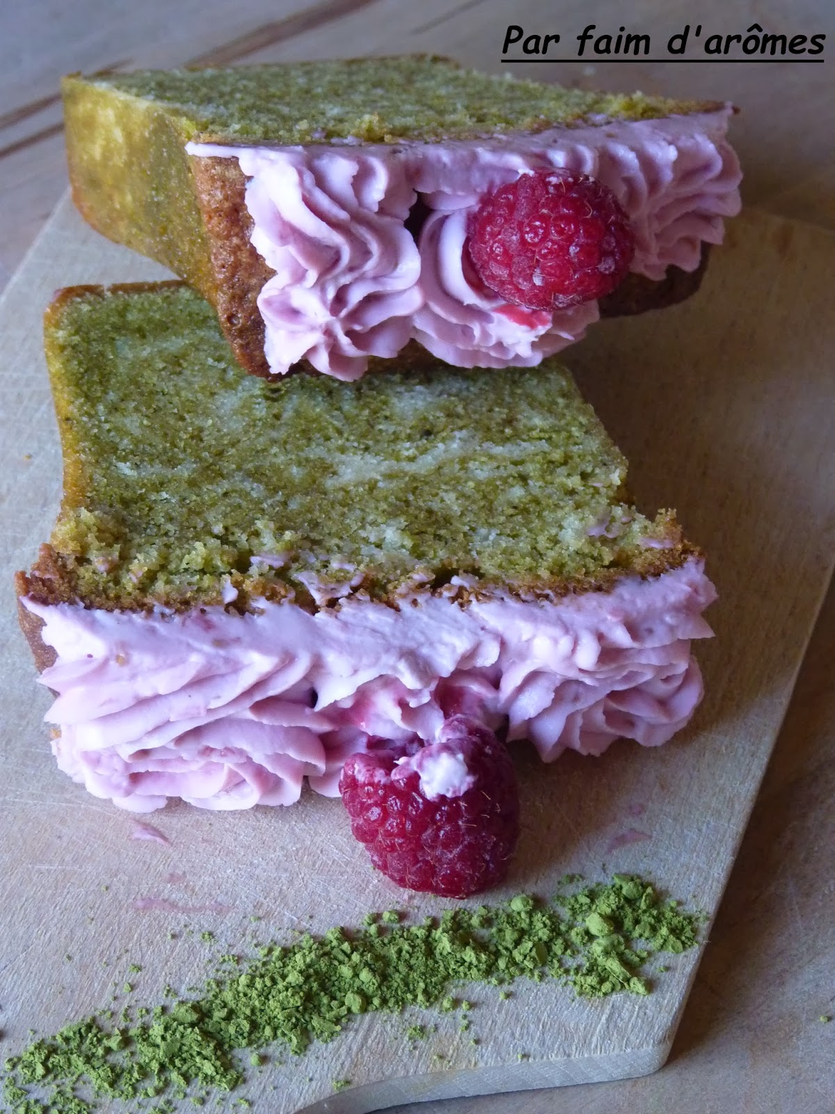 Cake marbré thé matcha et framboise
