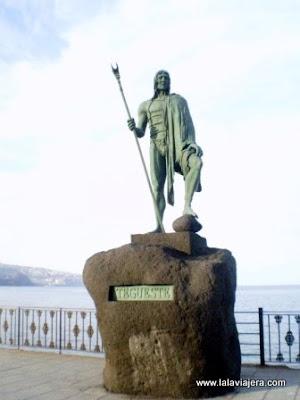 Esculturas Menceyes Candelaria, Tenerife
