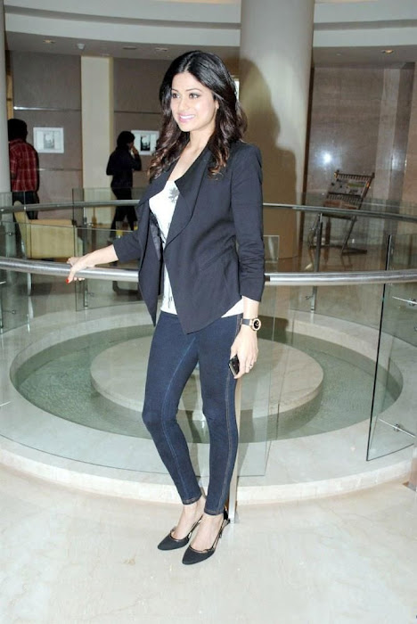 shamita shetty new corporate look glamour  images