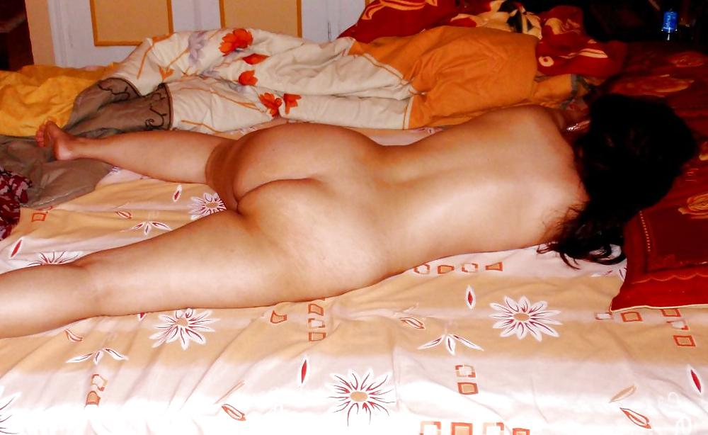 Arab Lady Laying Naked