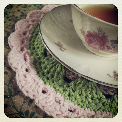 ByHaafner, crochet, potholder, teatime, teacup, thrifted, vintage