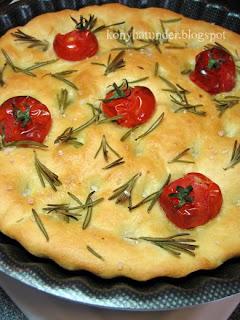 tomato-rosemary-focaccia
