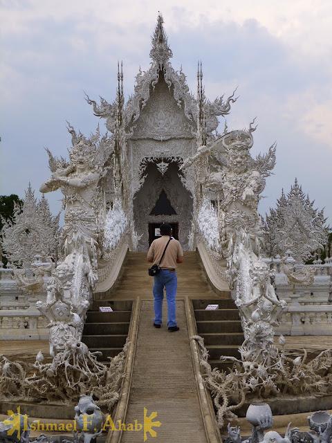 Wat Rong Khun, Chiang Rai, North Thailand