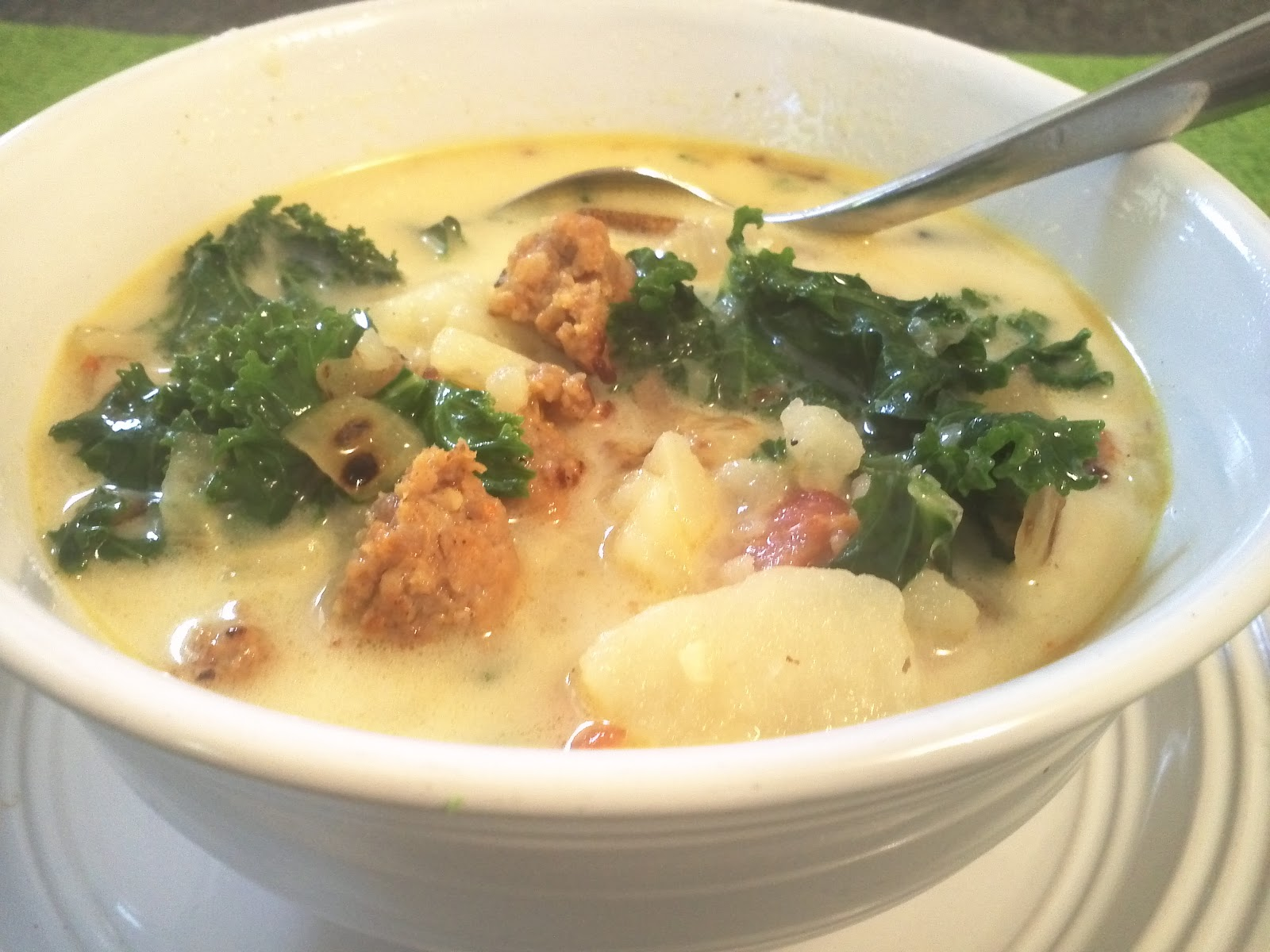 Sweet macedonia olive garden 39 s zuppa toscana sausage potato kale soup for Olive garden potato sausage kale soup recipe