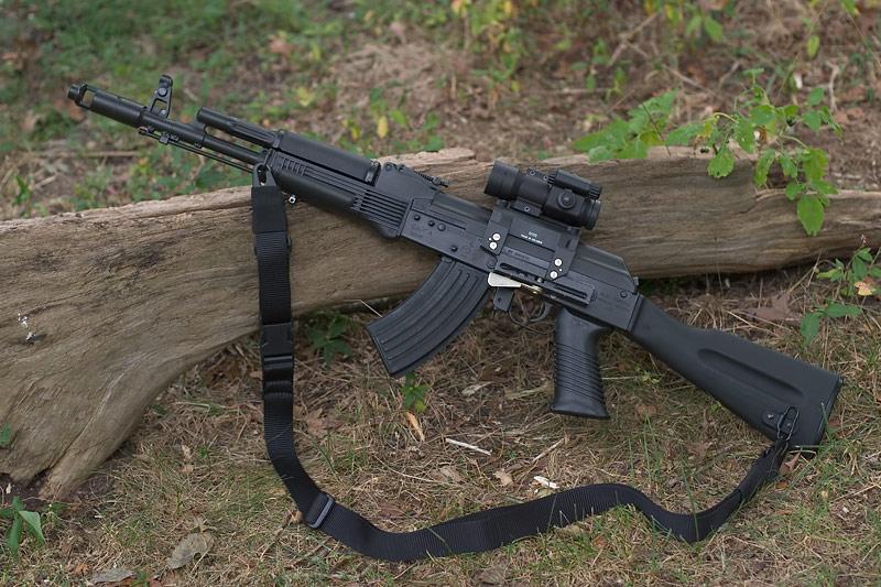 Venezuela poderá começar a produzir fuzis russos sob licença já em 2012