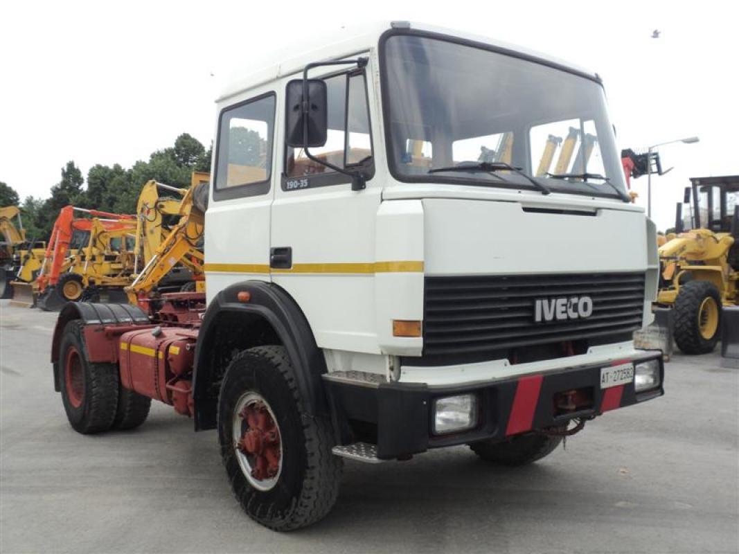 Camion usato trattore stradale 4×2 Iveco 190.35 Fiat anno 1987, km 5