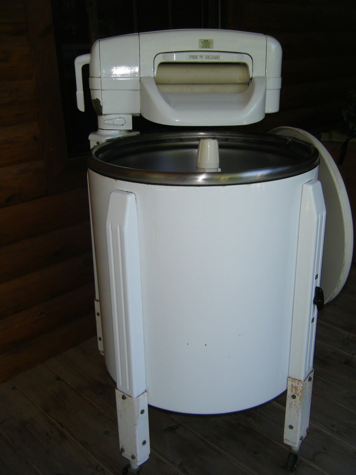 Old Fashioned Hand Washing Machine
