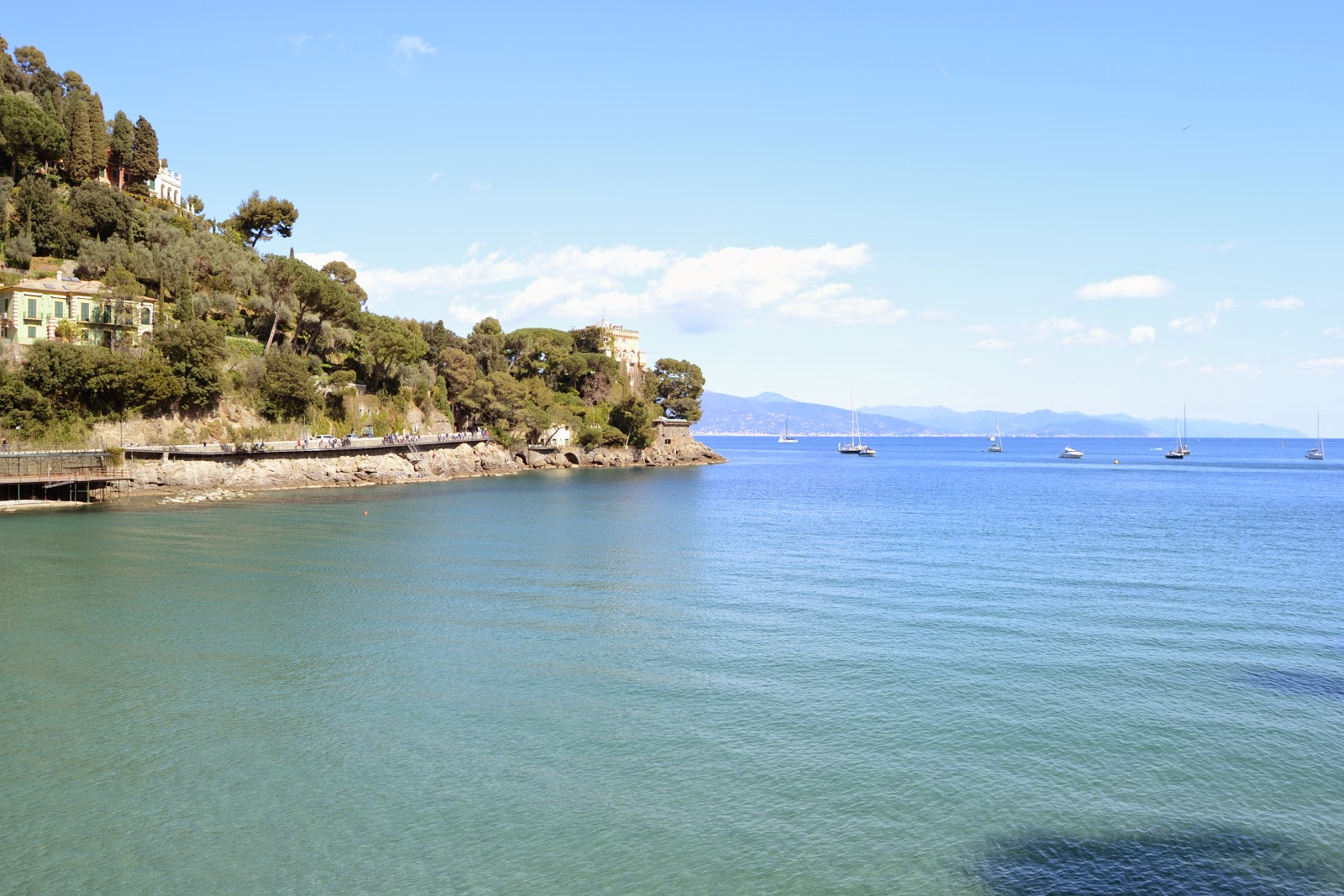 Clear blue sea water @ Portofino