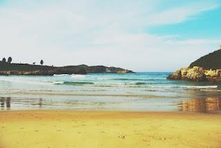 Llanes, Celorio, playa de Las Cámaras