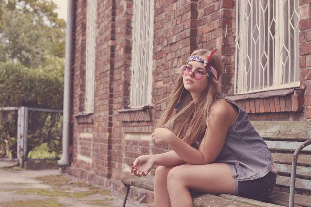 http://prettylittlefashionistaa.blogspot.com/2013/04/hippie.html