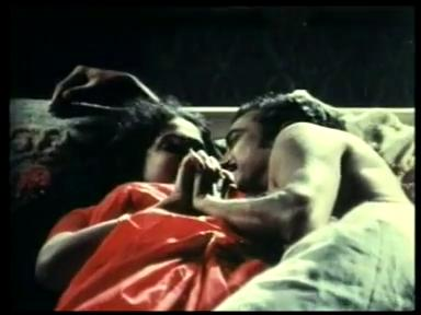 Watch B Grade Hindi Movie Har Raat Naya Khiladi Hot bed Scene online