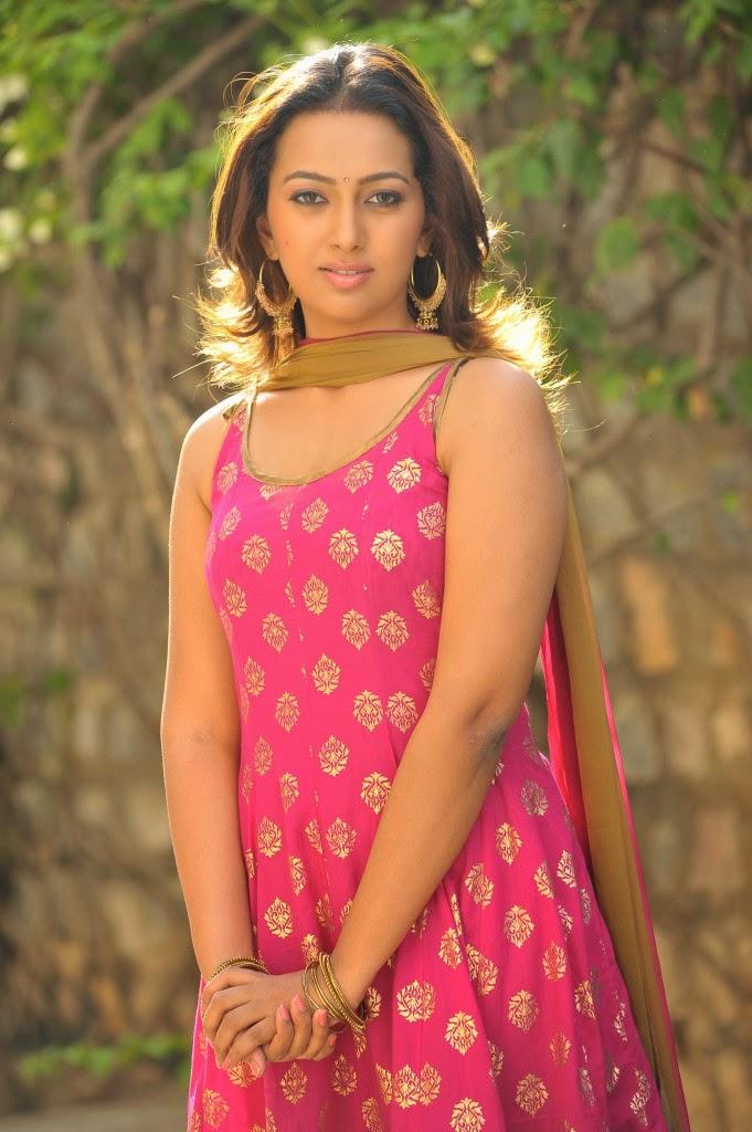 Ester noronha latest photos in sleeveless salwar kameez from 1000 abaddalu telugu movie