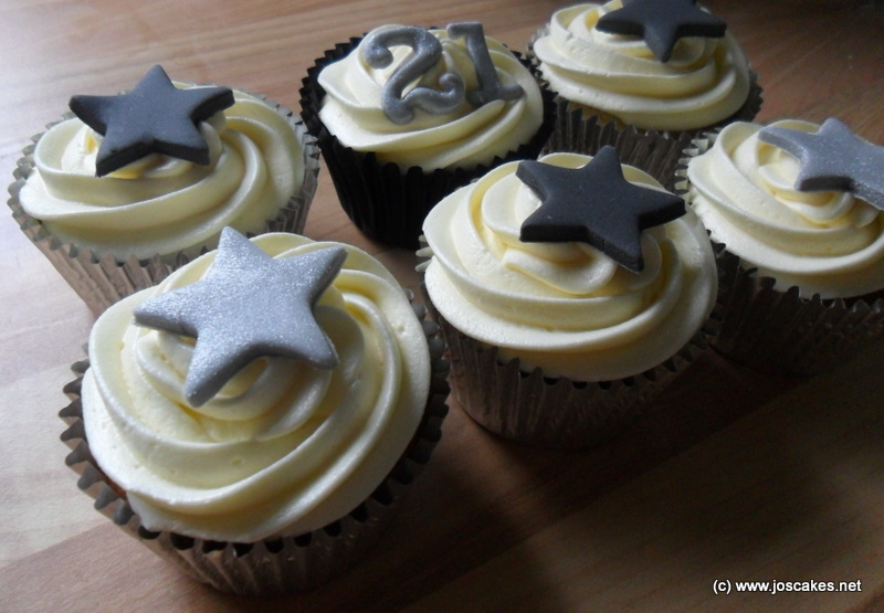 Black And Silver 21st Birthday Cupcakes