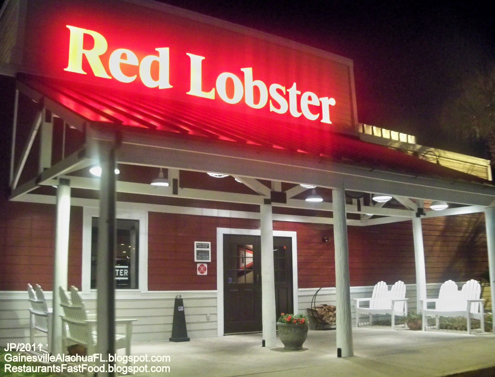 red lobster As sales slump in the restaurant industry, red lobster is bringing back a customer favorite.