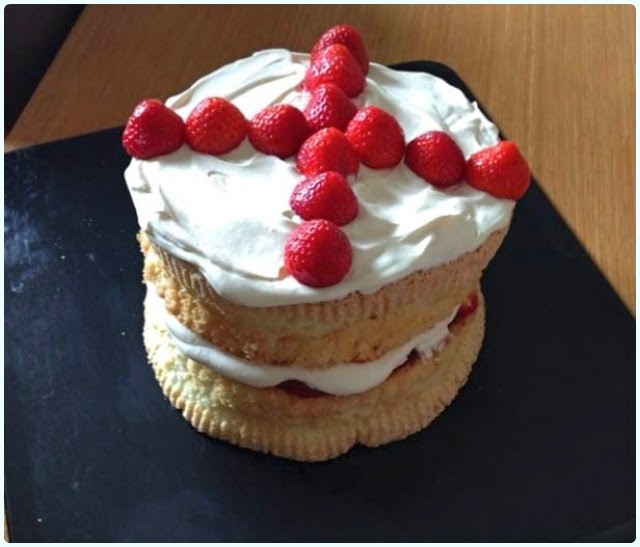 Clandestine Cake Club Bolton - Strawberries and Cream Cake