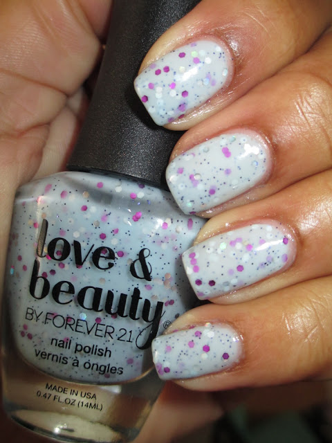 Love & Beauty, Glittering Dawn, jelly base, baby blue, glitter, chunky glitter, nails, nail art, nail design, mani
