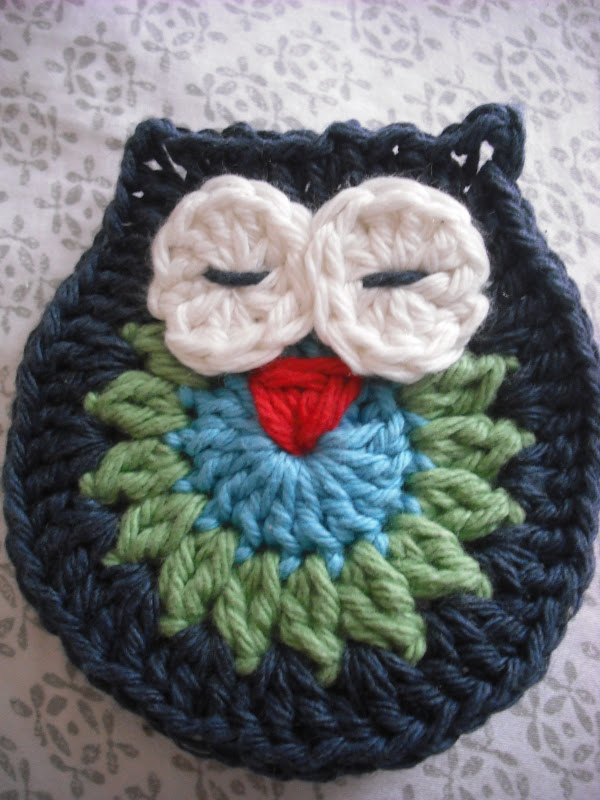 Free Crochet Pattern Small Owl : Purple Chair Crochet: Owl Make a Motif (Free!)