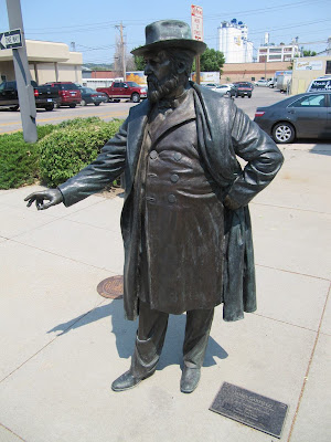 James A. Garfield statue, estatuas de Rapid city, estatua de James A. Garfield