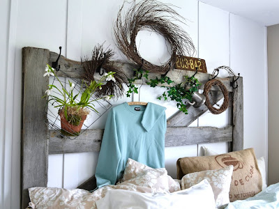 unique head board - horse gate white aqua bedding