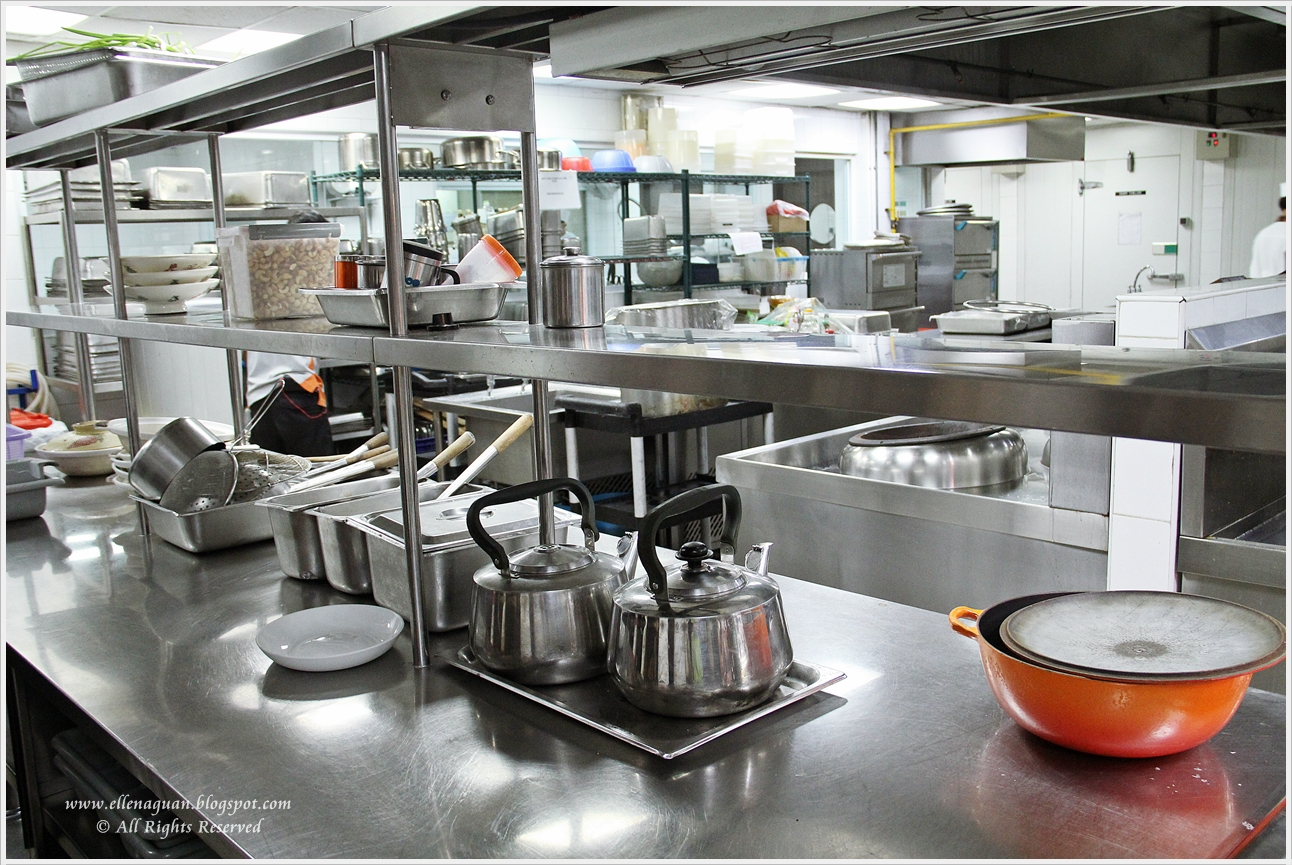 how to set up a small restaurant kitchen