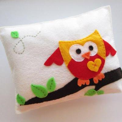 Zona de manualidades almohadas para ni os - Manualidades con fieltro para ninos ...