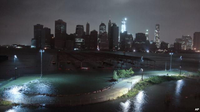 New York Bagai Kota Mati Akibat Badai Sandy