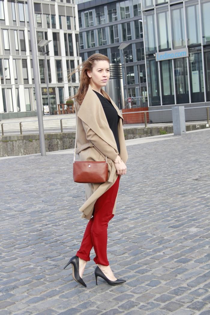 Trendfarbe Marsala, Trendcolour Marsala, Pantone Farbe des Jahres 2015, Marsala Hose, Marsala Pants, La Mode et Moi, Modeblog Köln, Fashionblog Cologne, Camel Coat, Wasserfallkragen, Beiger Mantel, Camel Trend,