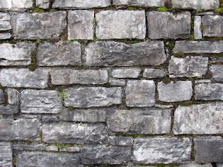Accoltellato rivestimento di una muratura in mattoni posizionati orizzontalmente