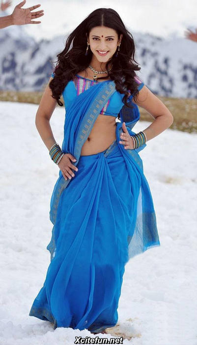 Shruthi Hassan dancing - (3) - Shruti Hassan: The Blue Sari