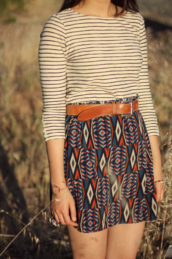 how to mix prints in outfit