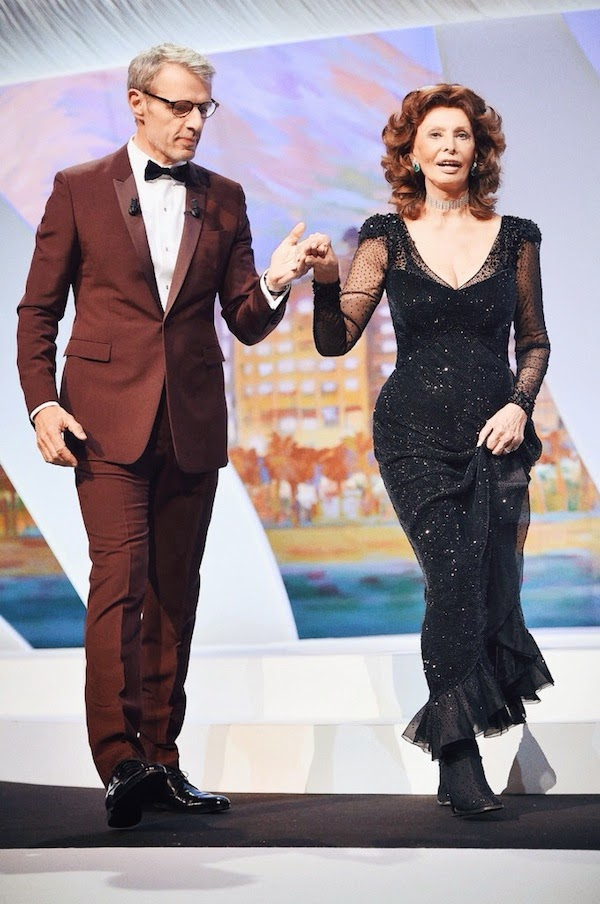 Sophia Loren and Lambert Wilson in Dior Homme red tuxedo - Closing Ceremony, The 67th Annual Cannes Film Festival #Cannes2014