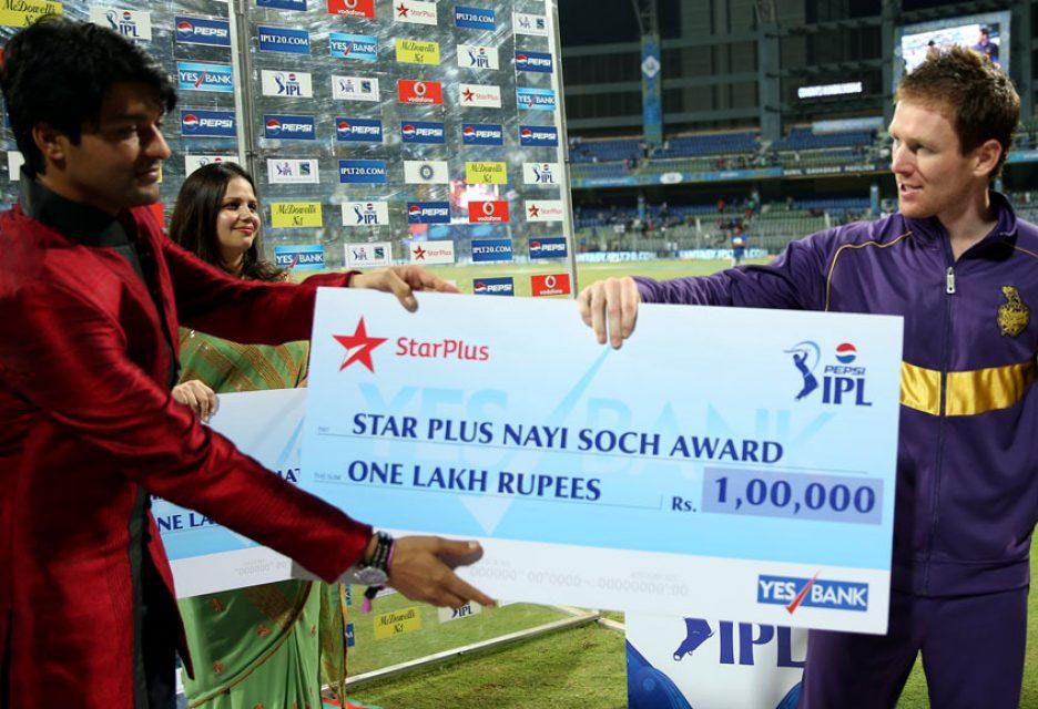Eoin-Morgan-Star-Plus-Nayi-Soch-Award-MI-vs-KKR-IPL-2013