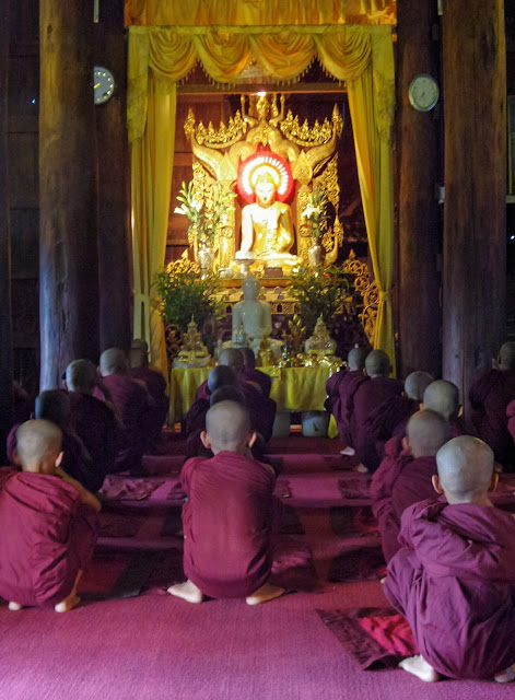 Avventure nel Mondo - Dolce Burma - monastero Shwe Kyin - Mandalay