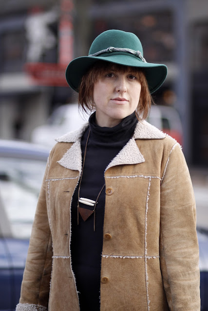 marisa chebul shearing coat, turtleneck, western hat seattle street style fashion it's my darlin'