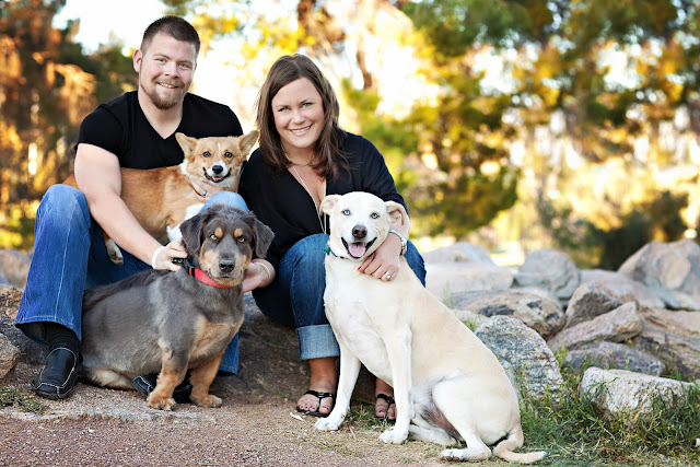 Family poses for Tucson Photographer at Reid Park in Southern Arizona