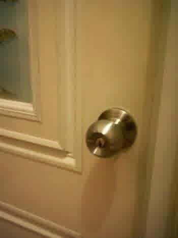 Tempat yang Lebih Kotor dari Toilet yaitu Gagang Pintu