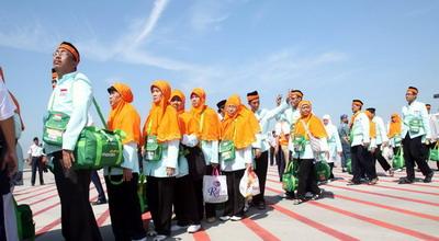 Kemenag: Travel Non-Muslim tak Bisa Kantongi Izin Umrah