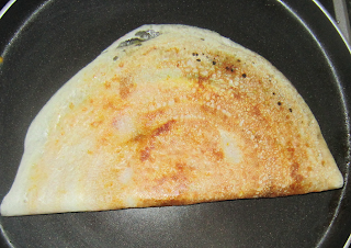 Cooked egg dosa