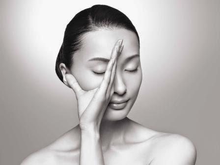 Японський масаж обличчя для підтяжки м'язів і обвислої шкіри