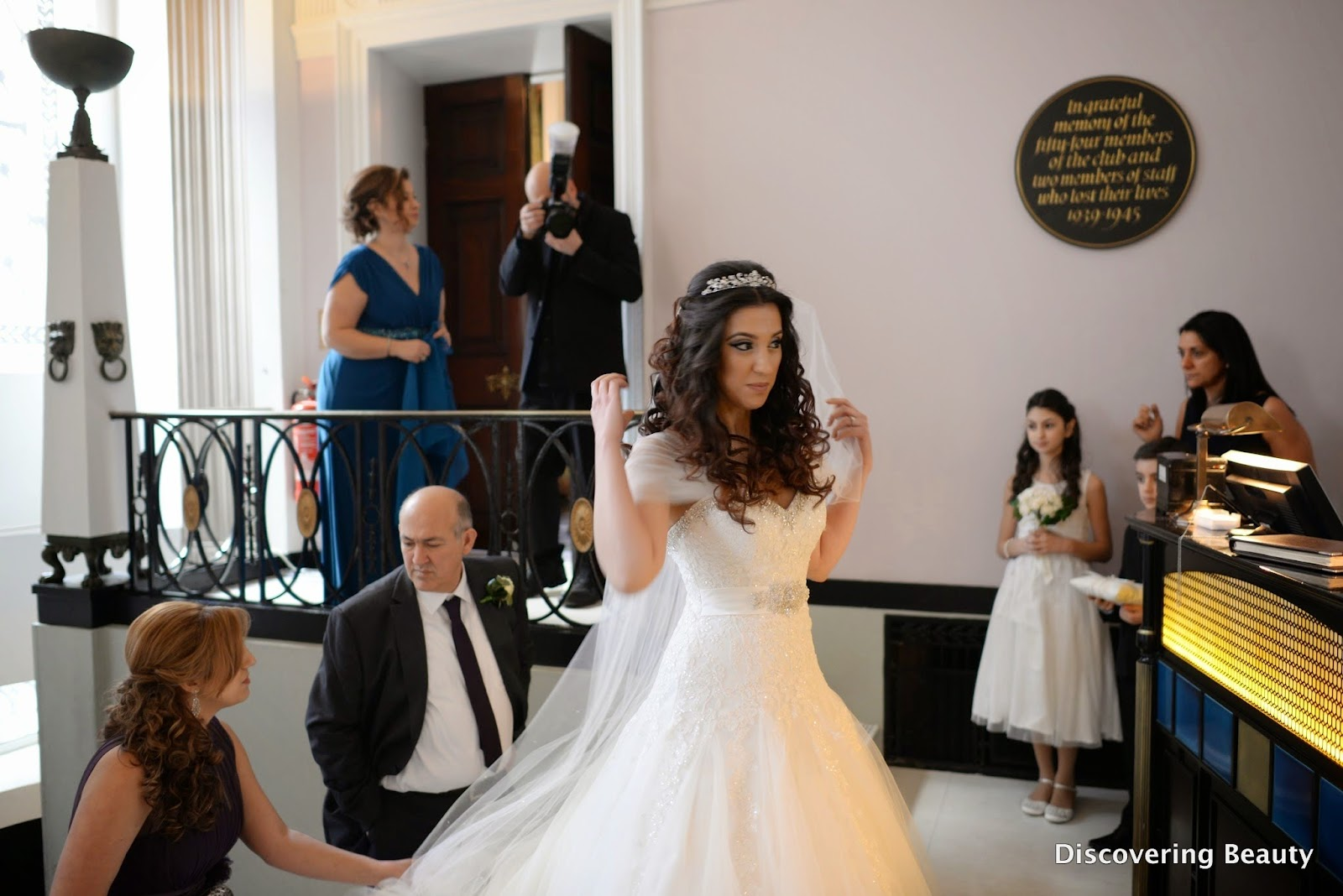 bride lansdowne club entrance
