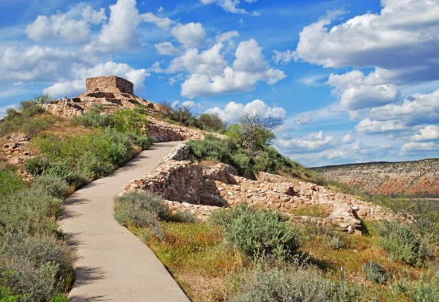 Tuzigoot National Monument | Ancient Pueblo Ruins near Sedona, Arizona | Em Then Now When