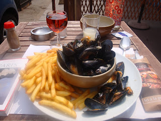http://fr.wikipedia.org/wiki/Moules_marini%C3%A8res