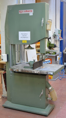 Taller de talla en madera escuela de arte la palma wood carving workshop art school maquinas - Taller de ebanisteria ...