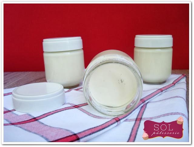 Yaourt à la vanille - Iogurte de baunilha