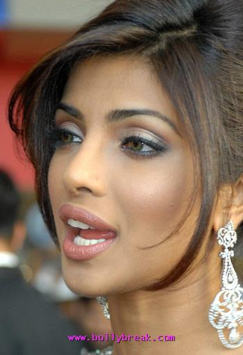 priyanka chopra open moth and lips - priyanka chopra Hot Face