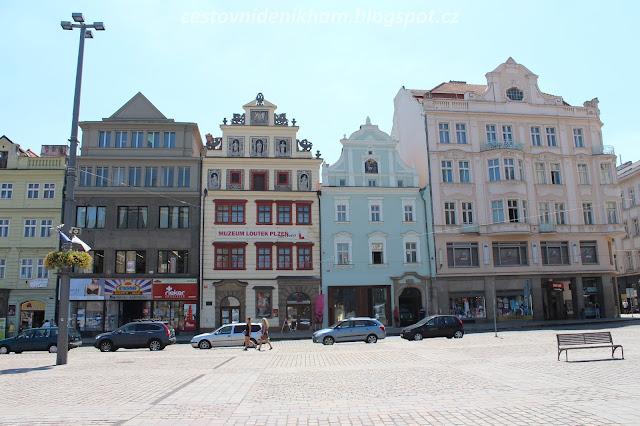 plzeňské náměstí // the main square in Pilsen