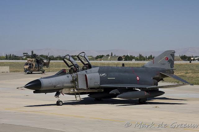 Türk f4 phantom uçağı