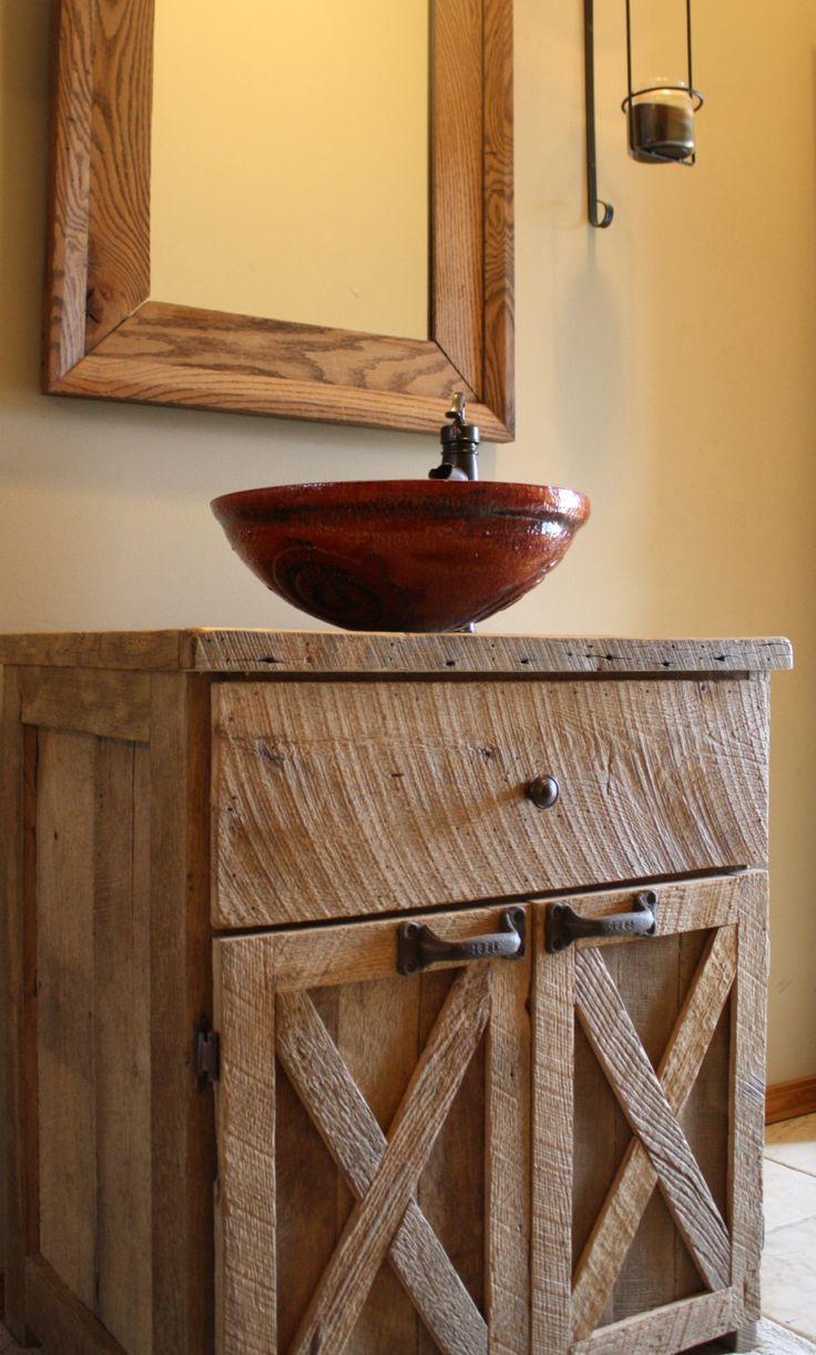 Cômoda de madeira rústica