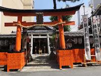 観亀神社本例祭が午前11:00から営まれたので行った。